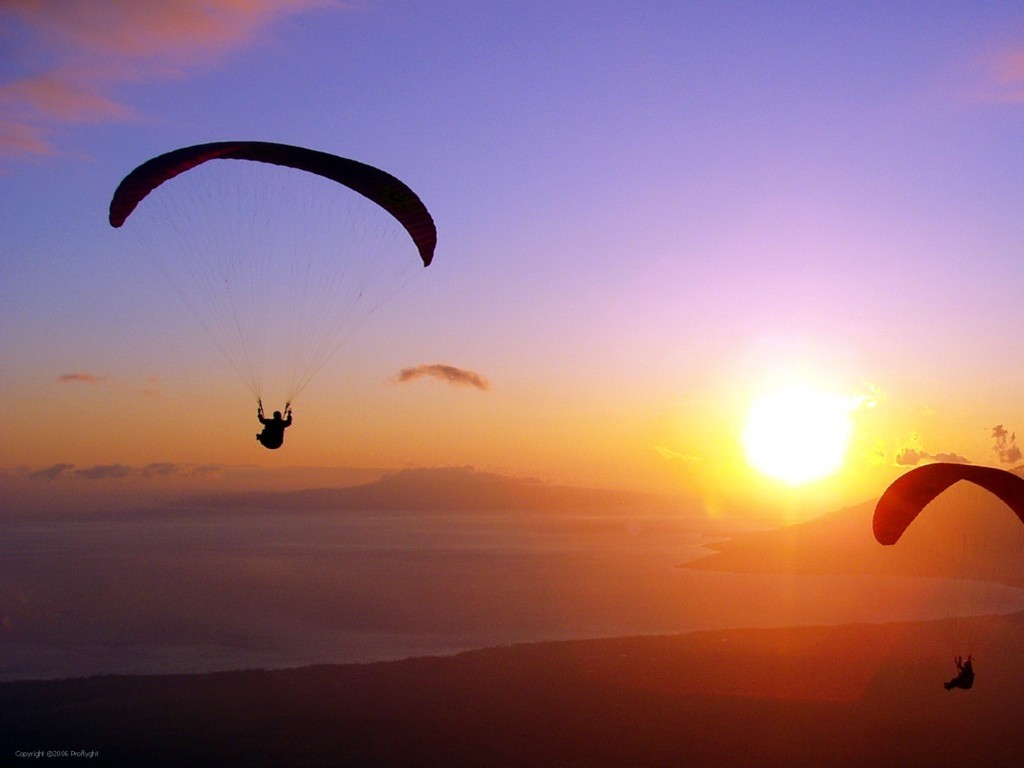 paragliding_in_sunset_air_wallpaper